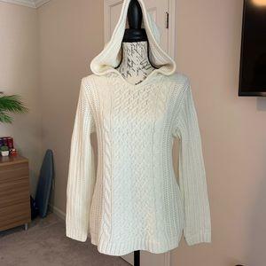 VENUS cable sweater